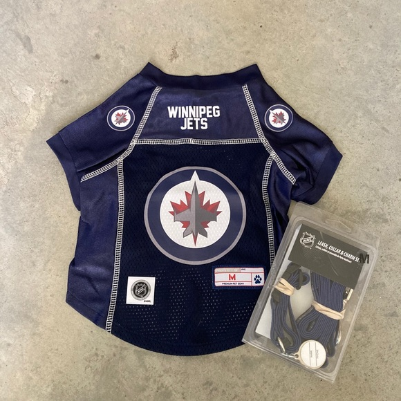 Winnipeg Jets dog jersey and leash